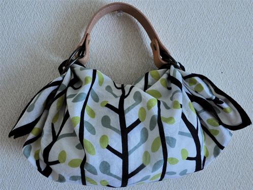 風呂敷バッグの作り方、持ち手やリングも使った作 …