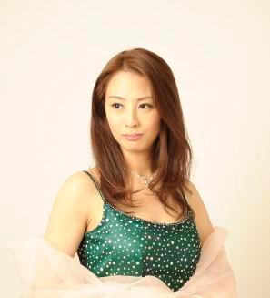ソプラノ歌手♪小野 友葵子さん