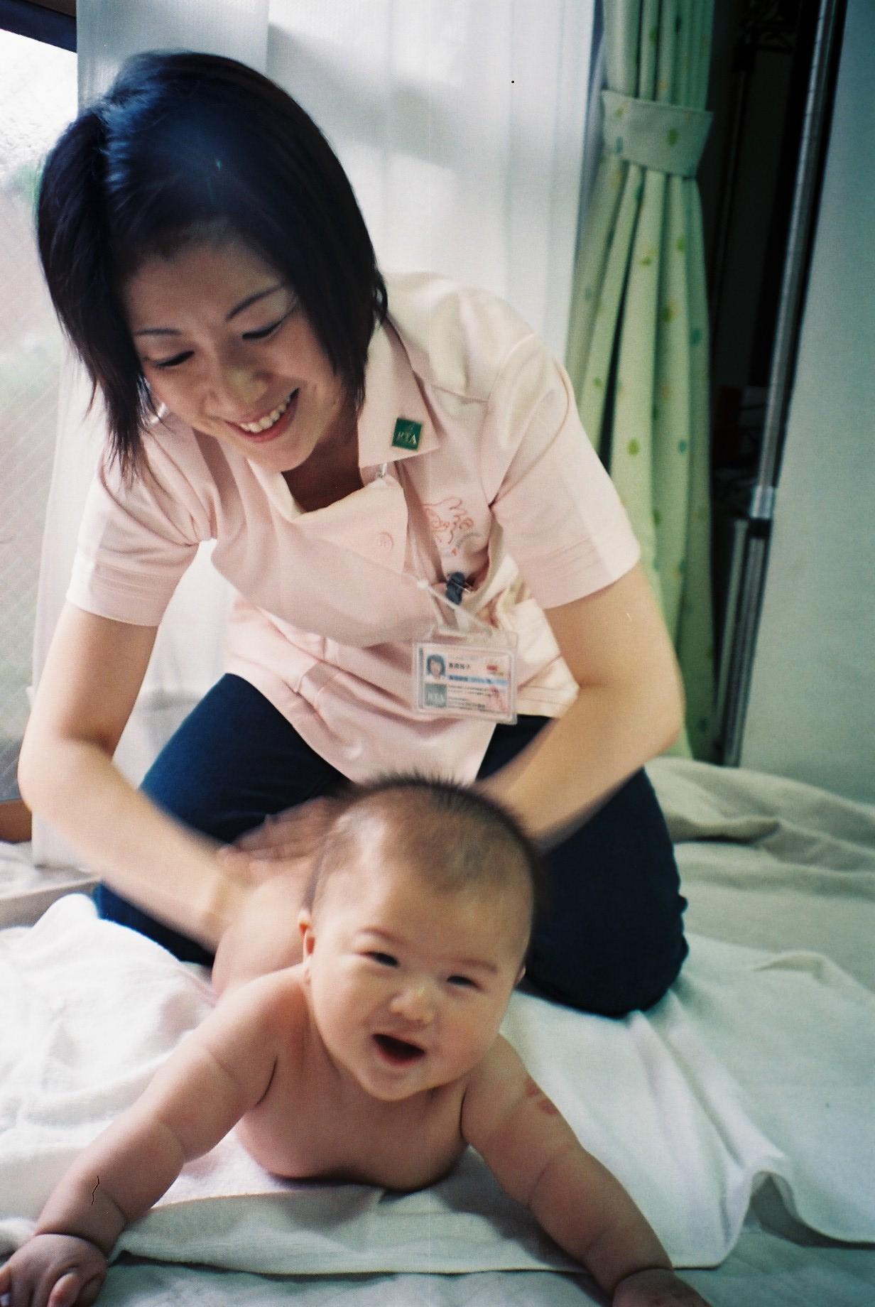 ママと赤ちゃんの教室講師かりー