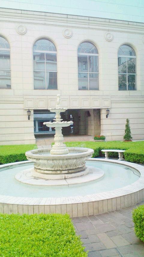 聖なる薔薇の泉Angelmadamsalon