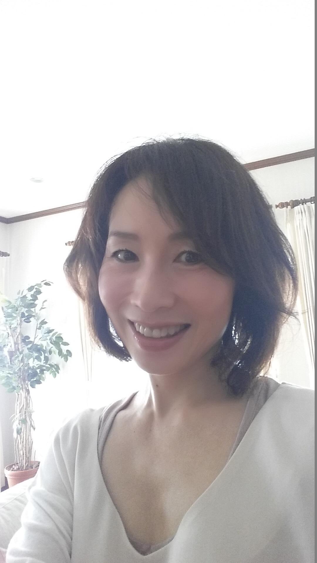 ヴィアージュ(viage)は名古屋にあるエステサロンで、エスグラで2位を受賞。高品質プラセンタとアロマで美肌を育むサロン夏の疲れが出る9月7年目スタート♡6周年ありがとうございます♡キレイとホルモンの関係潤い美肌を叶えよう