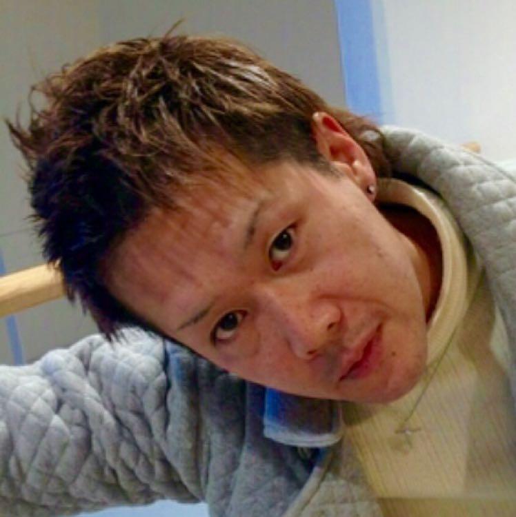 東成区ネイルサロン、介護事業代表桂右