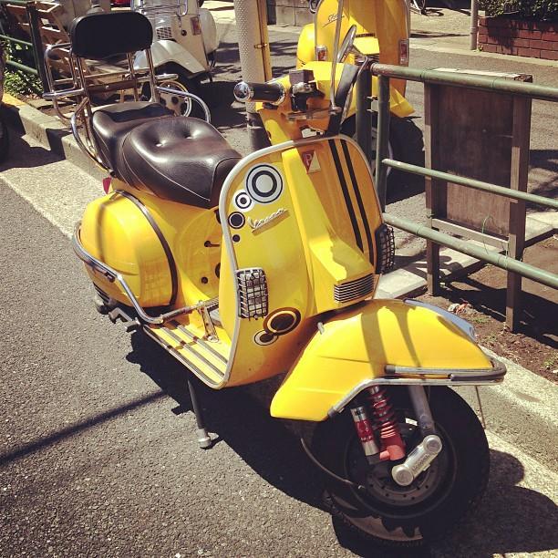 幸せの黄色いベスパ 略して黄ベス