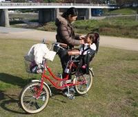 おしゃれな子供乗せ自転車に ...