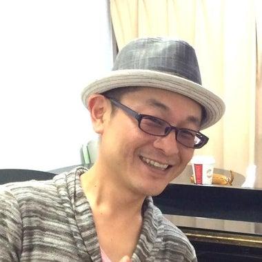 池袋の英会話・ポピュラーピアノ講師 ヨッシー・佐藤