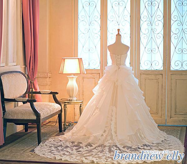ウエディングドレスのerika