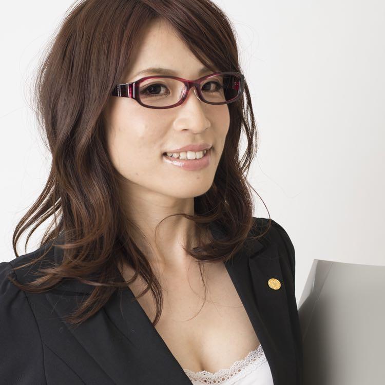 髪のアクセサリーが素敵な小山田経子さん
