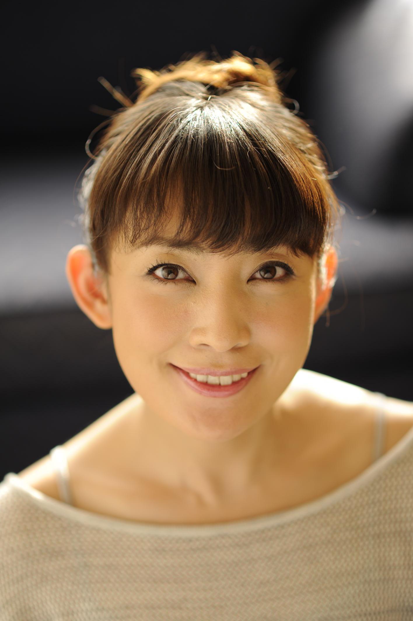 ブロンドヘアーの田中美里さん