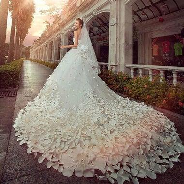 ハンドメイドのウェディングドレスとカラードレスを作っています!