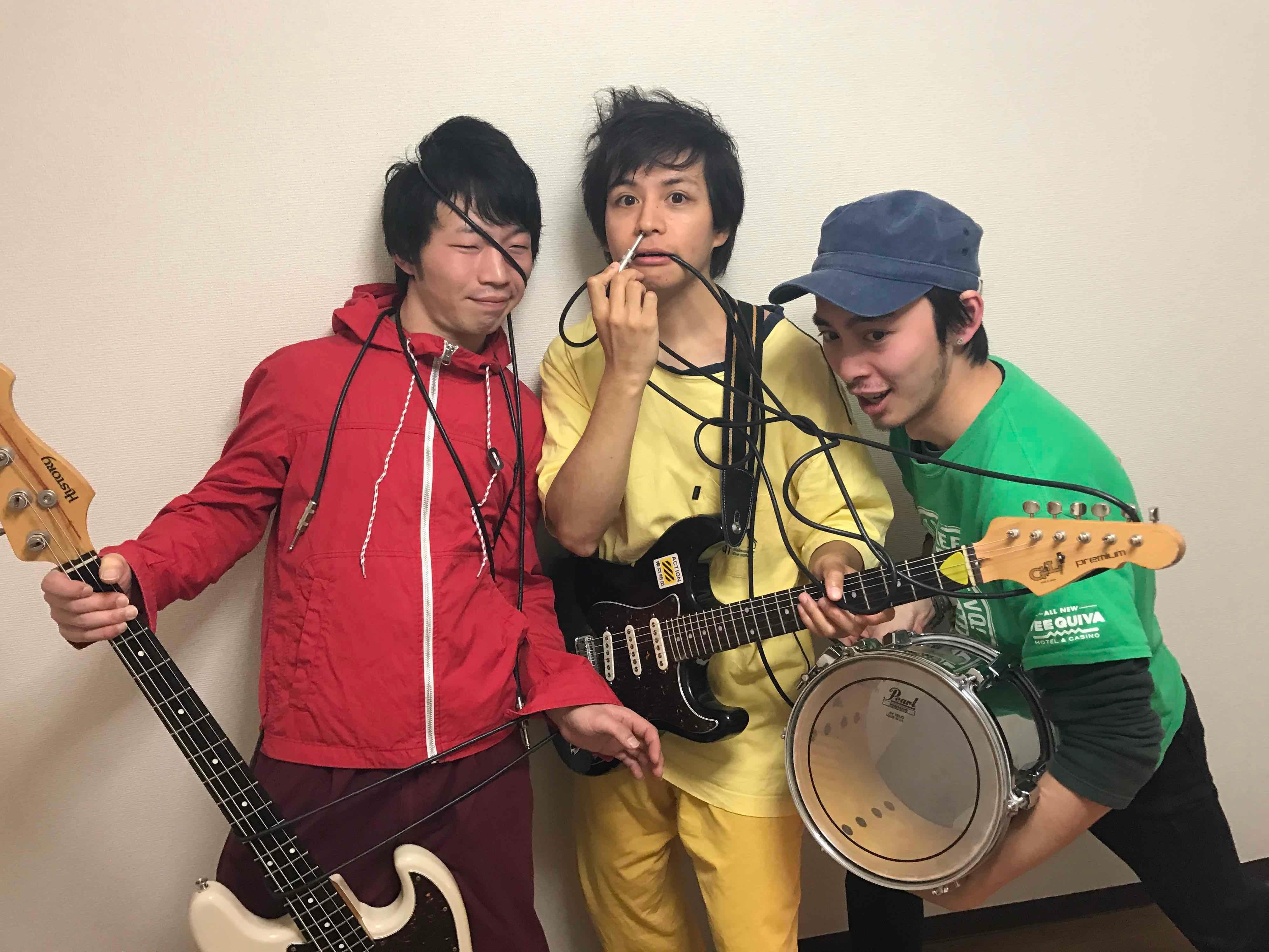 """都内スナック菓子グランジロックバンド""""シロッコ"""""""