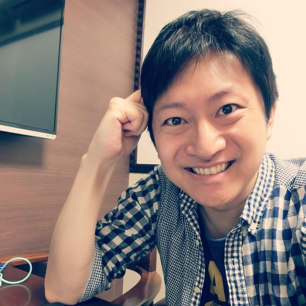 【東京・東新宿】和み系ゲイのカラーセラピスト しんぽん