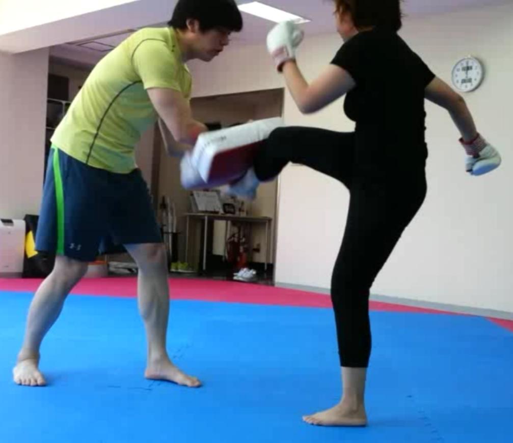 南堀江・結果がでる!女性専用キックボクシング