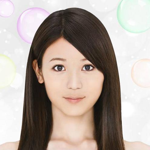 髪のアクセサリーが素敵な相川聖奈さん