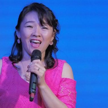 歌手でママで薬剤師;HIKARI