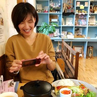 札幌色育・カラーセラピスト花緒里