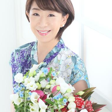 日本初の華道スタイル 開華道Kaikado 生け花であなたの魅力が開花する」 開華道 Kaikado  主宰 鈴木滋子